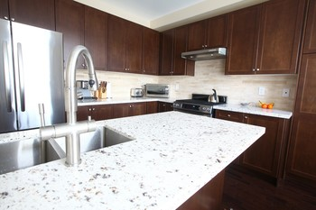 Quartz engineered stone countertops in Roosevelt Island New York